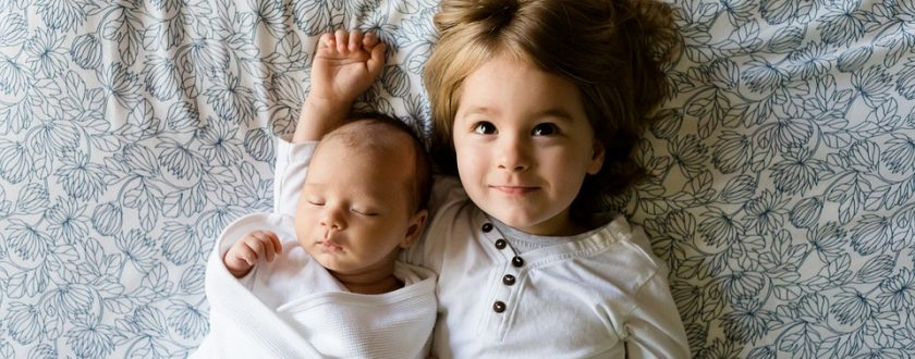 5 Ways To Introduce Your Children To A New Baby Sibling