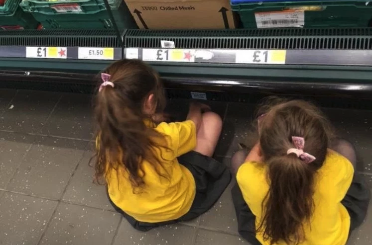 Mother Went Viral For Making Kids Sit On Supermarket Floor For Time Out